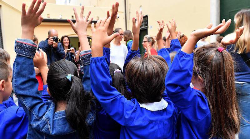 Primo giorno di scuola alla scuola Maestre Pie di S.Agata si ritorna in classe.  Genova, 14 settembre 2017.  ANSA/LUCA ZENNARO